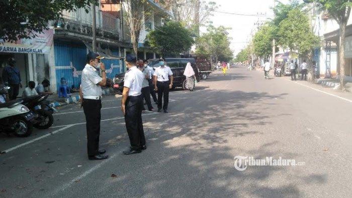 Jalur Kawasan Pecinan Bangkalan Ditutup, Penerapan Parkir Berlangganan Terhambat, Ini Sebabnya