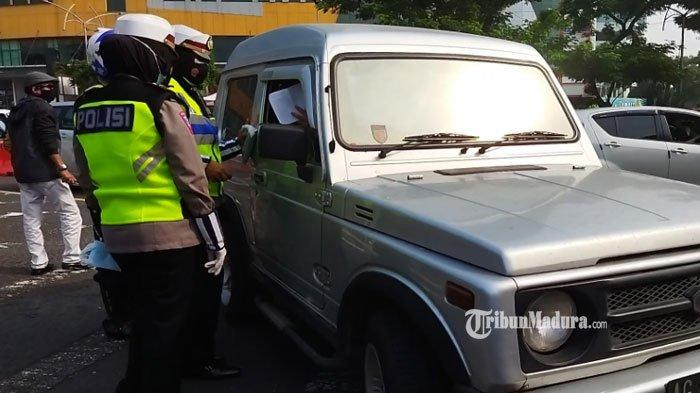 Kategori Kendaraan Non Plat L dan W yang Dapat Stiker Boleh Keluar Masuk Surabaya Tanpa Diperiksa