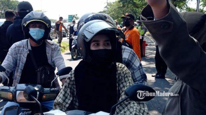 Penyekatan di Jembatan Suramadu, Pengendara Diwajibkan Bawa Surat Bebas Covid-19 Jika Ingin Melintas