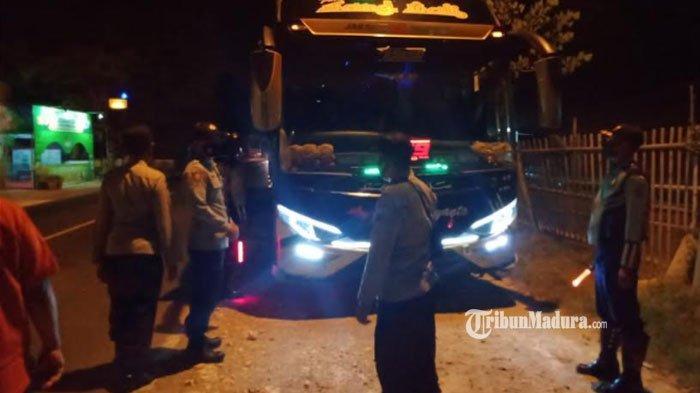 Sanksi Tegas Travel Gelap Angkut Pemudik ke Pamekasan, Siap-Siap Ditilang dan Mobilnya Disita Polisi