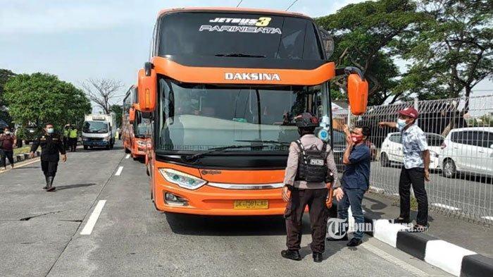 Hari Pertama Penyekatan di Surabaya, Ratusan Kendaraan Menuju Pulau Madura Terpaksa Putar Balik