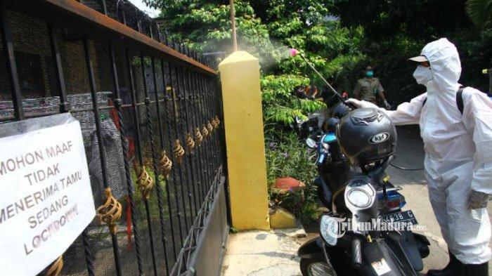 Rumah Warga Kampung Lowokdoro Kota Malang Disterilkan, Cegah Penyebaran Covid-19 Antar Tetangga