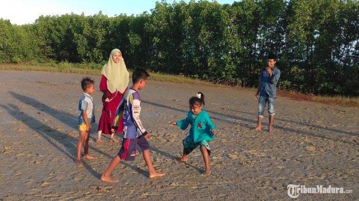 Mahasiswa Universitas Madura Kembangkan Permainan Loteng, Diklaim Tingkatkan Kemampuan Kognitif Anak