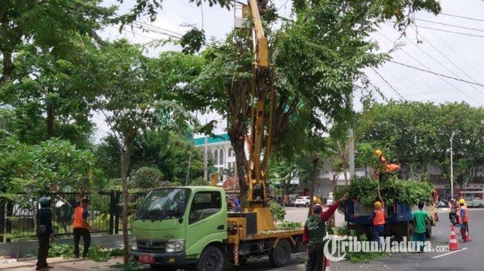 PLN UID Jatim Bersama 210 Personel Yantek Tingkatkan Keandalan Listrik di Madura