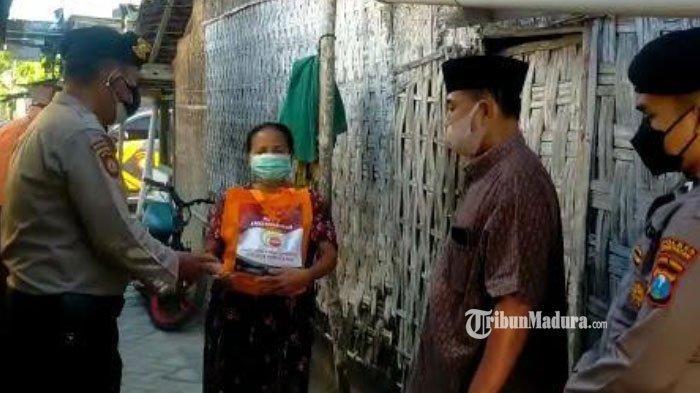 Gandeng Tokoh Masyarakat, Polres Pamekasan Beri Bantuan ke Warga Kurang Mampu yang Terdampak Pandemi