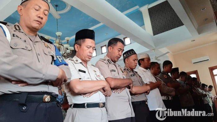 Polres Pamekasan Gelar Salat Gaib dan Doa Bersama untuk Almarhum KH Salahudin Wahid ( Gus Sholah )