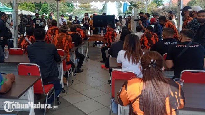 Audiensi Massa Pekerja Hiburan dengan Pemkot Surabaya Berjalan Alot, ini yang Jadi Pertimbangan