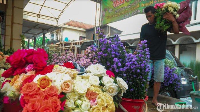 Harga Kargo Udara Naik,Petani Bunga Mawar di Kota Batu Berhenti Kirim Produksi ke Luar Pulau