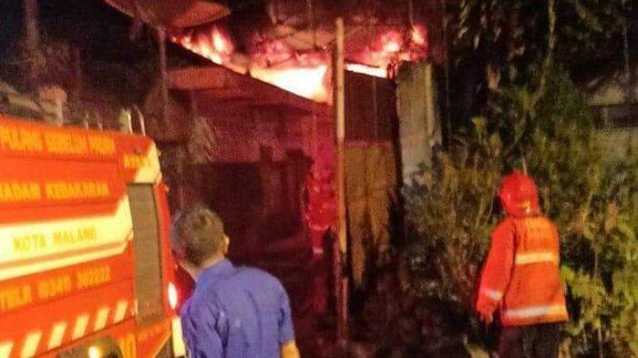 Gudang Penyimpanan Barang Elektronik di Klojen Kota Malang Terbakar, 7 Mobil Damkar Dikerahkan