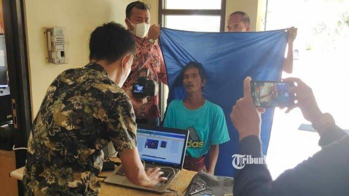 Sudah Ditolong Kapolres, Pria Renta di Bangkalan ini Kembali ke Jalanan, Dinas Sosial Sampai Geram