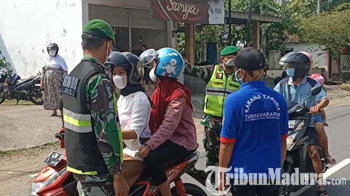 400 Lebih Kendaraan Diminta Putar Balik di Pos Penyekatan Jalur Kediri-Batu di Kecamatan Kandangan