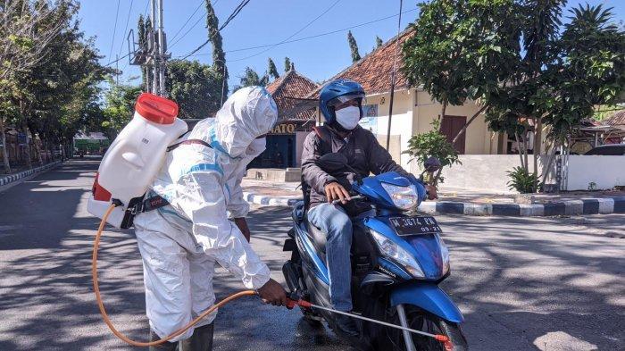 Lapas Kelas IIA Pamekasan Perketat Pencegahan Covid-19, Pengunjung yang Masuk Disemprot Disinfektan