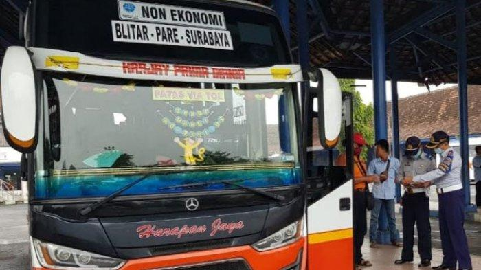 Cegah Penyebaran Covid-19 di Lingkungan Terminal Patria Kota Blitar, 30 Karyawan Lakukan Tes Swab