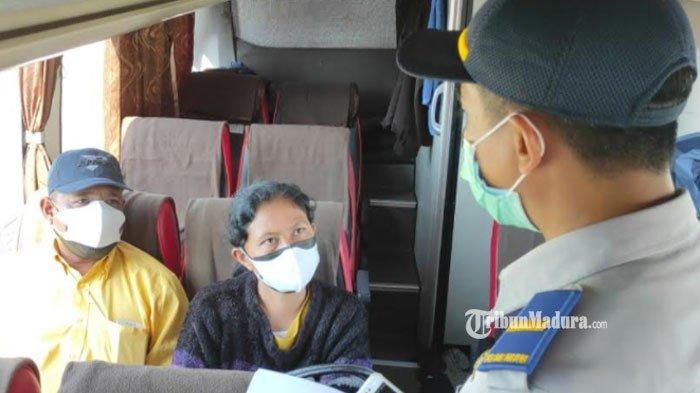 Tak Bawa Syarat Perjalanan, Dua Penumpang Bus AKAP Dapat Sanksi Tegas dari Petugas Terminal