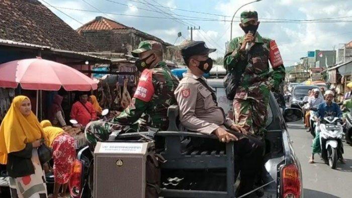 Patroli Keliling Jalan Raya Pegantenan Pamekasan, Petugas Gabungan Ajak Masyarakat Patuhi Prokes