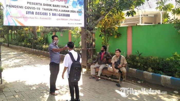 Potret Penerapan Protokol Kesehatan di SMAN 3 Bangkalan ketika Masa Pengenalan Lingkungan Sekolah