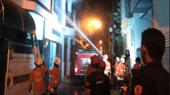 Lampu Rumah Mendadak Padam, Lalu Rumah Home Industri Konveksi di Tambaksari Surabaya Ludes Terbakar