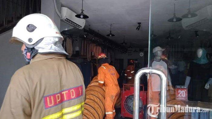 Kebakaran di Toko Baju JalanRungkut Industri Padam, Api Diduga Berasal dari Ruang Panel Listrik
