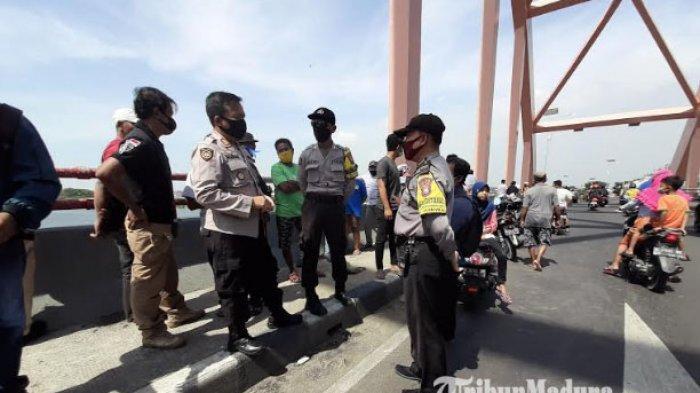 Honda Beat yang Dtinggal Pria Lompat dari Jembatan Sembayat Gresik Ternyata Milik Seorang Perempuan