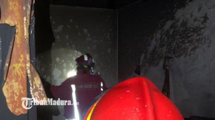 Letusan Korsleting Listrik Terdengar, Gudang Rumah di Kota Malang Hangus, Dua Unit PMK Diterjunkan