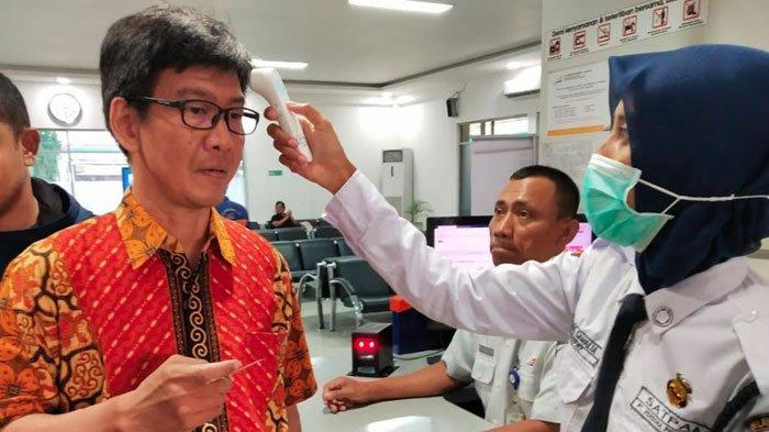 PT KAI Daop 8 SurabayaLarang Penumpang Naik Kereta Api Jika Suhu Tubuhnya Mencapai 38 Derajat