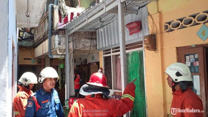 Dua Rumah di JalanKarang Gayam Surabaya Terbakar, Tujuh Mobil PMK Diterjunkan untuk Jinakan Api