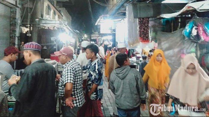 Kawasan Wisata Religi Sunan Ampel Tetap Ramai Dikunjungi Peziarah di Tengah Penyebaran Virus Corona