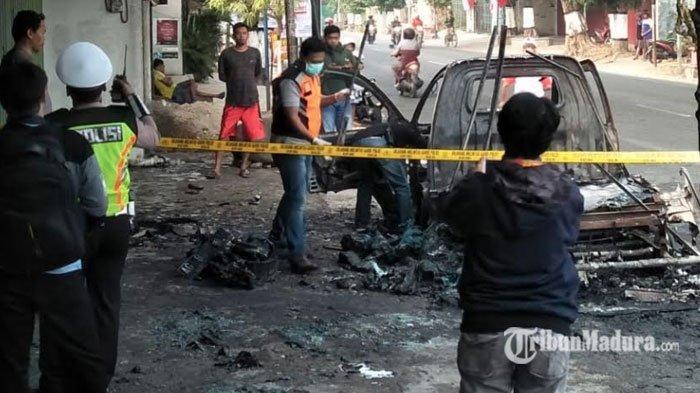 Pemilik Mobil Sedang Pindahkan Jeriken Plastik Isi Pertalite, Ledakan Terdengar Saat Mobil Terbakar