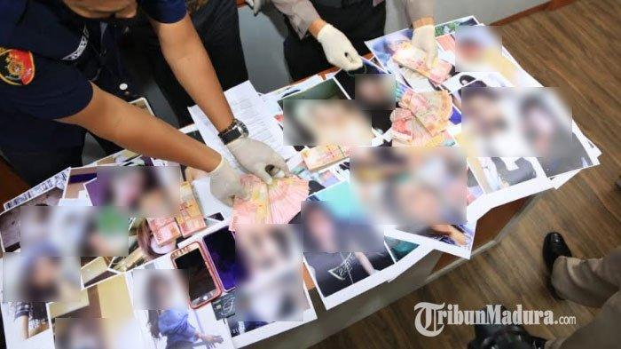 polisi-menunjukkan-600-foto-cewek-dari-berbagai-kota-dari-tiga-mucikari.jpg