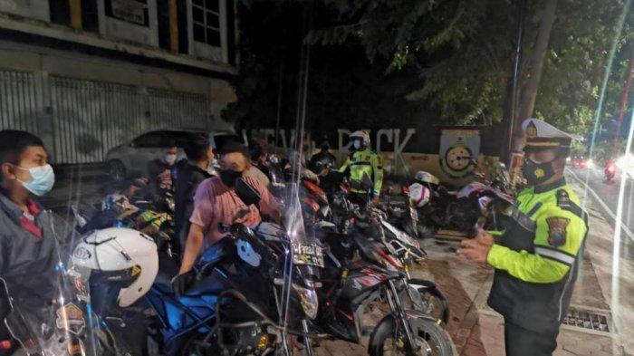 Polisi di Gresik Operasi Keselamatan Semeru 2021, Sisir Jalur Rawan Kriminalitas dan Balap Liar
