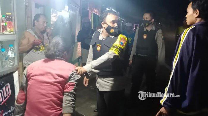 Lagi Rebahan, Penjaga SPBU di Situbondo Dibacok Preman, Gara-Gara Tegur Pelaku Karena Minta BBM