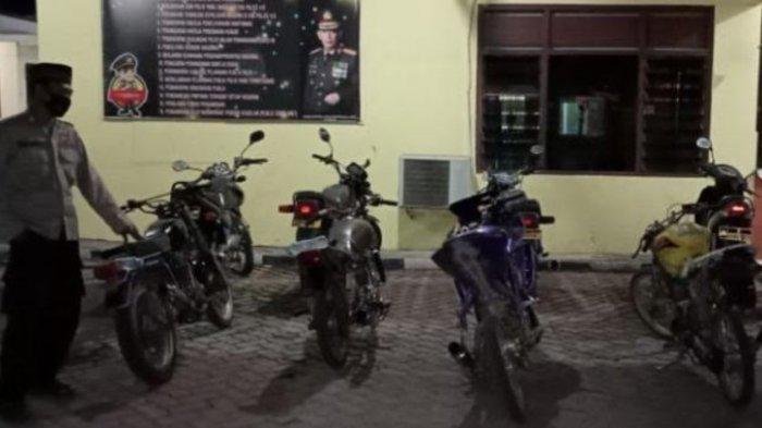 Empat Sepeda Motor Berknalpot Brong di Pantai Ngemboh Gresik Disita Polisi saat Menjelang Buka Puasa