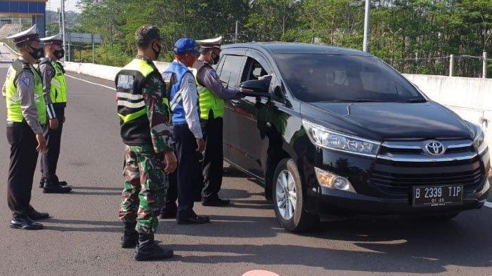 Hingga Siang Ini, 28 Kendaraan Mudik Menuju Malang Raya Diminta Putar Balik di Pintu Tol Malang