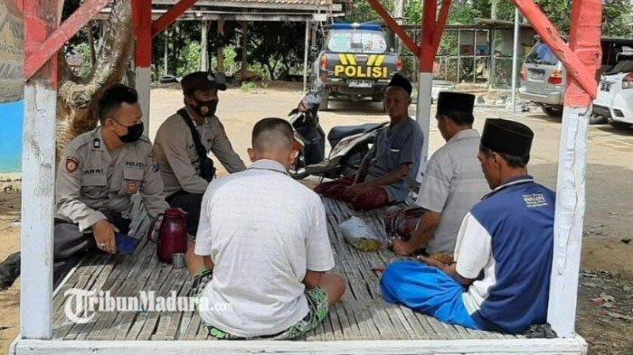 Polsek Palengaan Patroli Protokol Kesehatan ke Sejumlah Desa di Pamekasan, Imbau Waspadai Covid-19