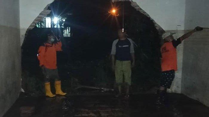 Jember Diguyur Hujan Deras, Sejumlah Kecamatan Kebanjiran, Air Menggenang Tinggi di 2 Pesantren