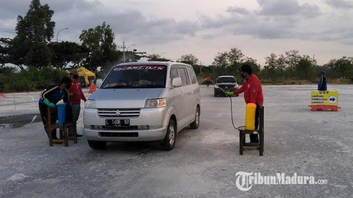 Gelombang Bantuan Datang ke Posko Mudik dan Pelayanan Covid-19 di Akses Menuju Jembatan Suramadu