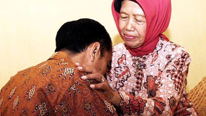 Ibunda Presiden Jokowi Wafat, Gubernur Jatim Khofifah Ajak Warga untuk Kirim Doa dan Salat Gaib