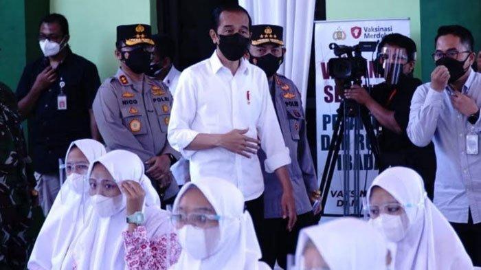 Harapan Presiden Jokowi saat Meninjau Vaksinasi di Ponorogo, Ungkap Target Jawa Timur dan Percepatan