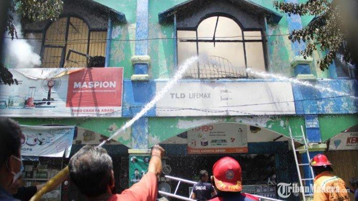 Empat Ruko di Pasar Larangan Sidoarjo Ludes Terbakar, Api Muncul Pertama dari Toko Elektronik