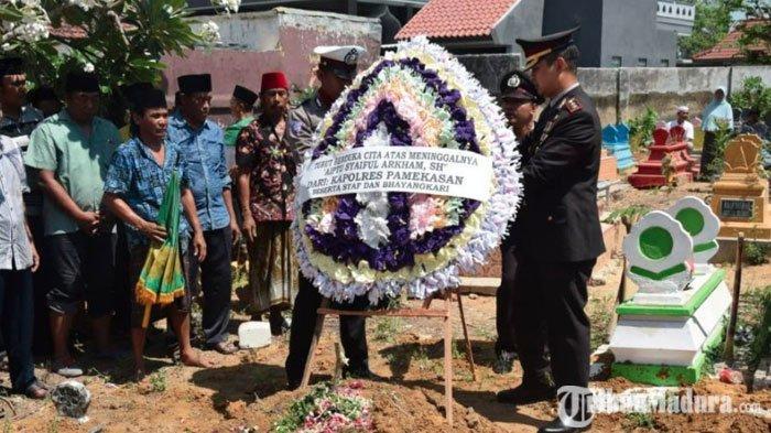 Banit Laka Satlantas Polres Pamekasan Wafat,Upacara Pemakaman Dipimpin LangsungAKBP Teguh Wibowo