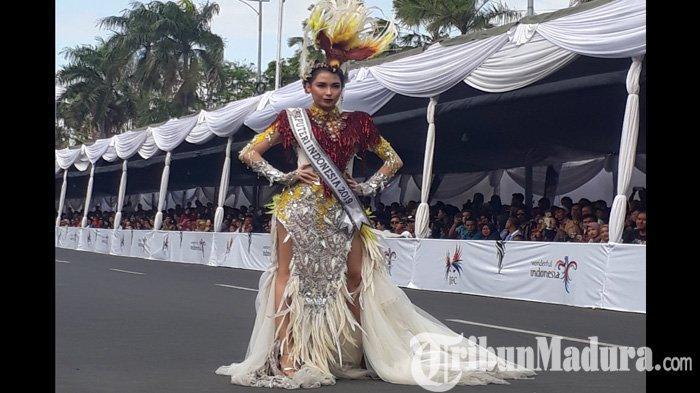 Tanpa Sang Presiden, Puteri Indonesia 2019 dan Cinta Laura Mempesona Jember Fashion Carnaval (JFC)