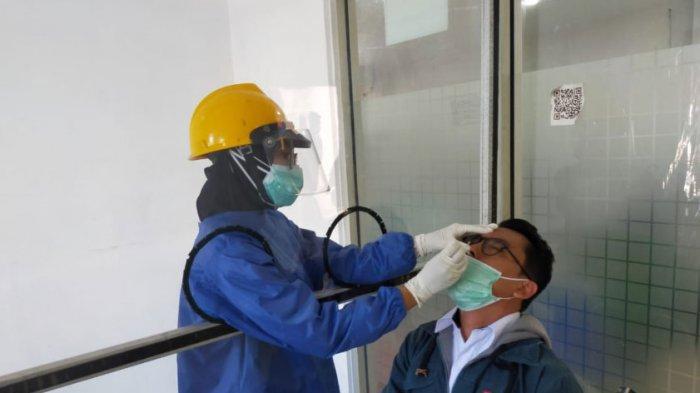 Rapid test antigen di Stasiun Madiun, Rabu (23/12/2020).