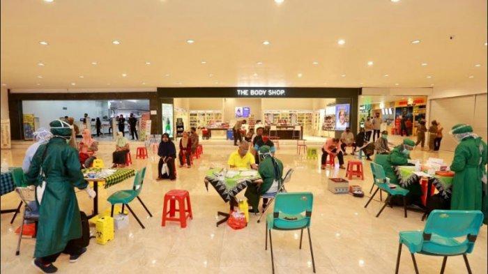 Pengunjung Pusat Perbelanjaan di Banyuwangi Jalani Rapid Test, Lima Orang Dinyatakan Reaktif