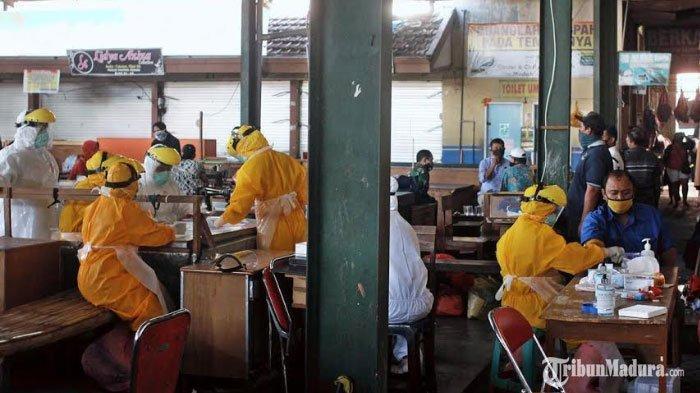 Satu Pedagang Pasar Pahing Kota Kediri Positif Covid-19, Puluhan Pedagang Lainnya Jalani Rapid Test