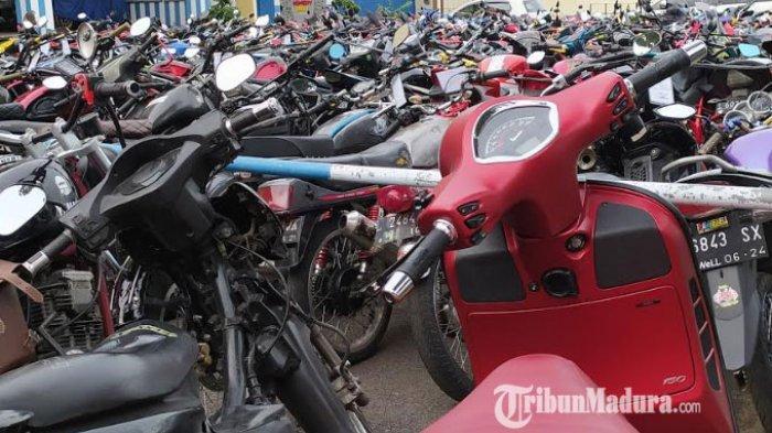 Selama PSBB Surabaya Raya, Polda Jatim Sita 302 Motor, Hasil dari Razia Knalpot Brong dan Balap Liar