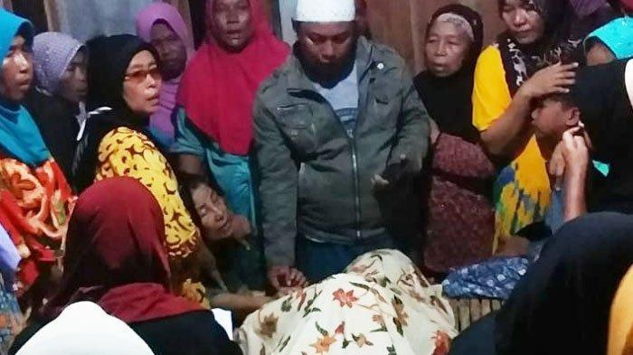 Remaja S (16) yang tewas tersengat listrik di musala Desa Konang, Kecamatan Galis, Kabupaten Pamekasan, Kamis (27/5/2021).