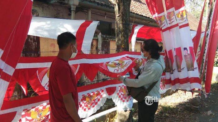 Cerita Rendi, Penjual Bendera Merah Putih di Lumajang, Omzet Anjlok Karena Pandemi, Sehari Laku 4