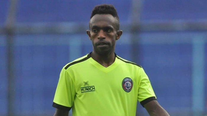 Ricky Kayame Dicoretdari Daftar Line UpArema FC, Ketahuan Nyanyi LaguSong For Pride Persebaya