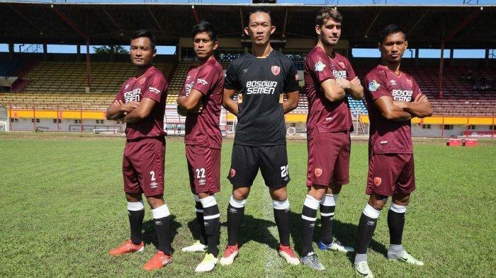 Butuh Tiga Penjaga Gawang,Persebaya Tertarik Datangkan Mantan Kiper PSM Makassar Rivky Mokodompit