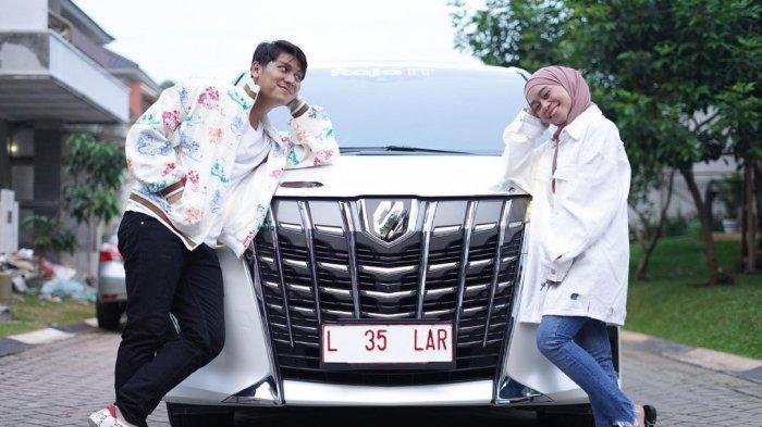 Jelang Lamaran, Rizky Billar & Lesti Kejora Dapat Kado Pernikahan Mobil Mewah: Tunggangan Executive